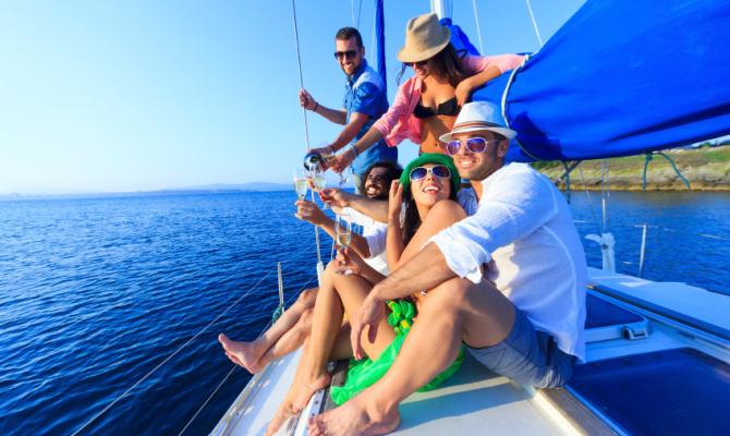 Barca a vela la vacanza felice for Parti di una barca a vela