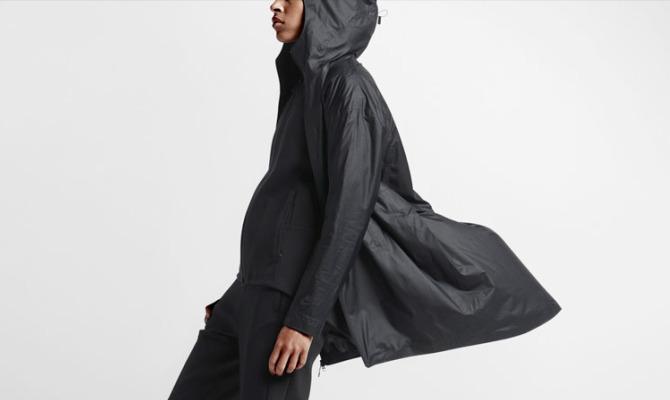 Al momento però la giacca NikeLab Transform è disponibile solo in Nord  America su nike.com nikelab e presso NikeLab 21 Mercer. b54326827ea