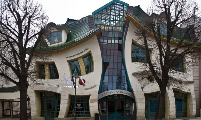Le forme pazze delle case nel mondo for Case pazze