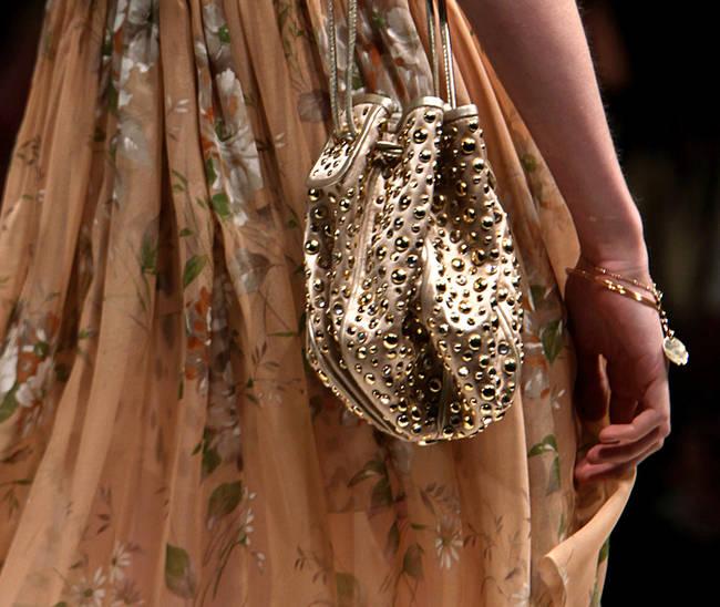 Bye bye tracolla! Le borse dell'estate 2013 - Borsa Blugirl - 7 di 30