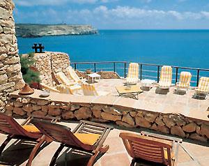 Hotel. Nei dammusi di Lampedusa