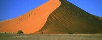 Viaggi. Il deserto della Namibia in 4×4