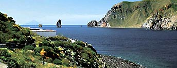Crociere. Isole Eolie in caicco