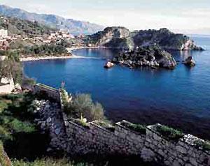 Hotel. Itinerari d'avventura a Taormina