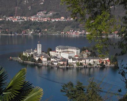 Isola San Giulio, perla del Lago d'Orta