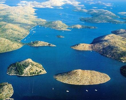 Isole Incoronate, labirinto di rocce