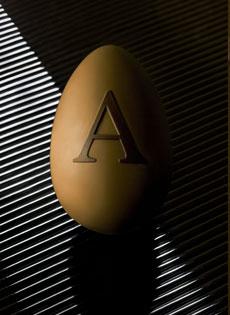 Le uova di Pasqua firmate Armani/Dolci