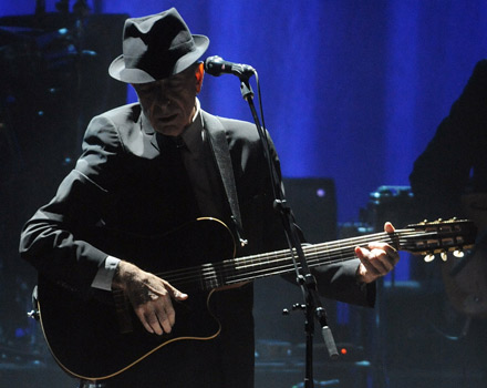 Instancabile Leonard Cohen