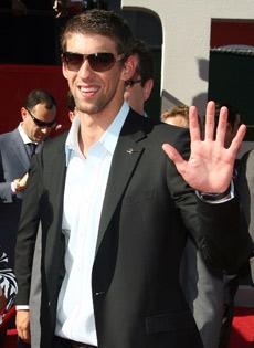 Michael Phelps sceglie occhiali Prada