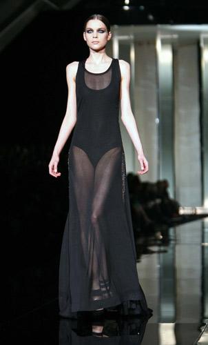 Black and nude. Generose trasparenze