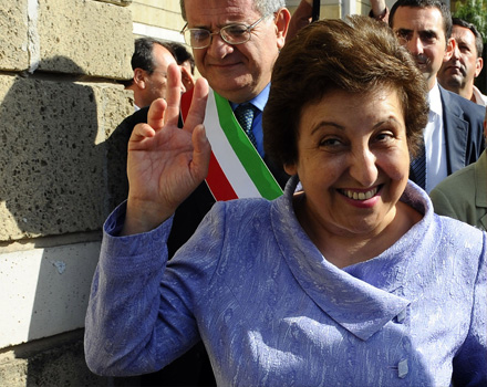 Shirin Ebadi sostiene il Nobel al web