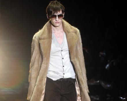 Gucci Uomo AI 2010 - 11
