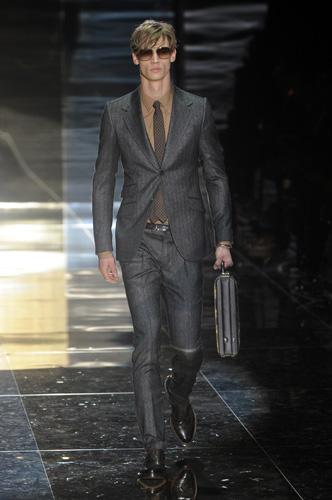 Gucci. Eleganza d altri tempi - www.stile.it 2eb961cf66c0