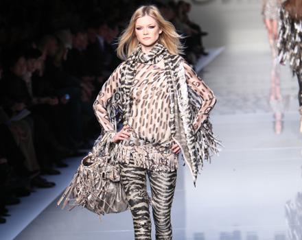 Blumarine Milano Moda Donna Autunno Inverno 2010 2011