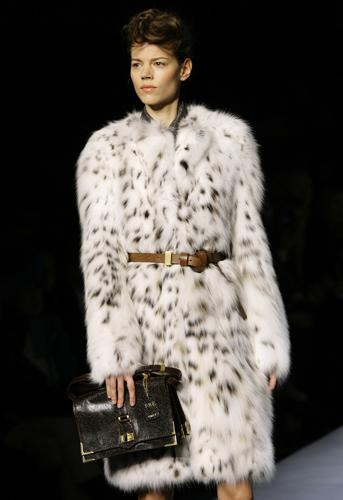 Intrecci e pellicce per Fendi