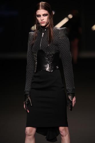 Frankie Morello Milano Moda Donna Autunno Inverno 2010 2011