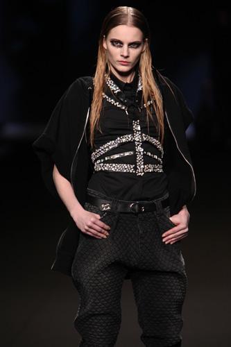 Frankie Morello: Maglietta Nera - Pantaloni Neri