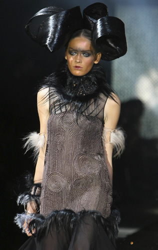 John Galliano Parigi  Autunno Inverno 2010 2011