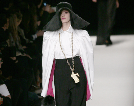 Yves Saint Laurent Sfilate Parigi Autunno Inverno 2010 2011