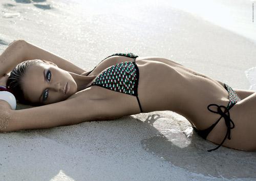 Beachwear 2010: il bikini