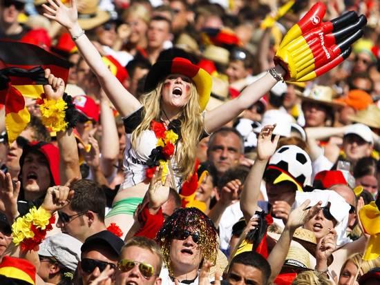 Il muro formato dai tifosi tedeschi, Argentina-Germania Mondiali di calcio Sudafrica 2010