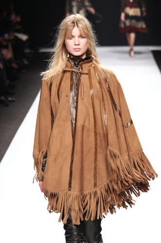 Frange. Su abiti e accessori non solo per cowgirl!