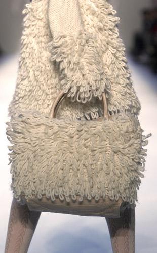 La borsa si veste per l'alta montagna
