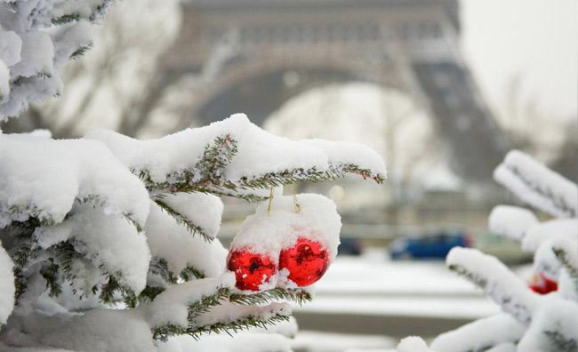Parigi innevata