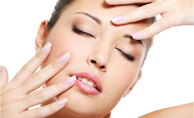 Gommage, peeling e scrub per la pulizia del viso