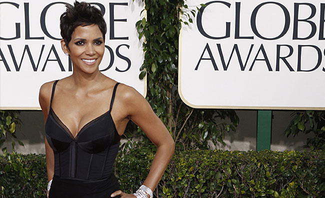 L'eleganza di Halle Berry vince ad Hollywood