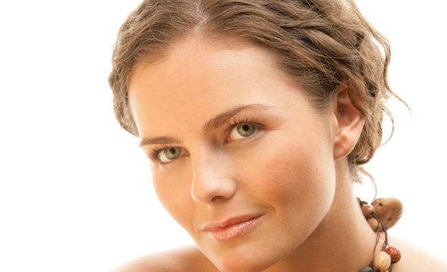 Pro e contro dell'autoabbronzante per il viso