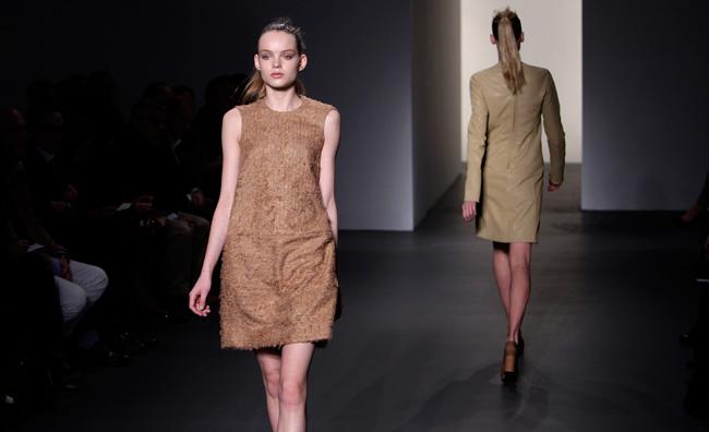 Minimalismo chic per Calvin Klein