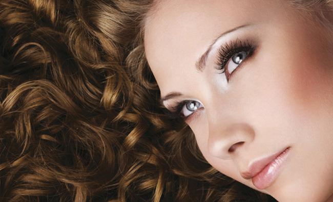 Contro i capelli crespi un trattamento dal Brasile