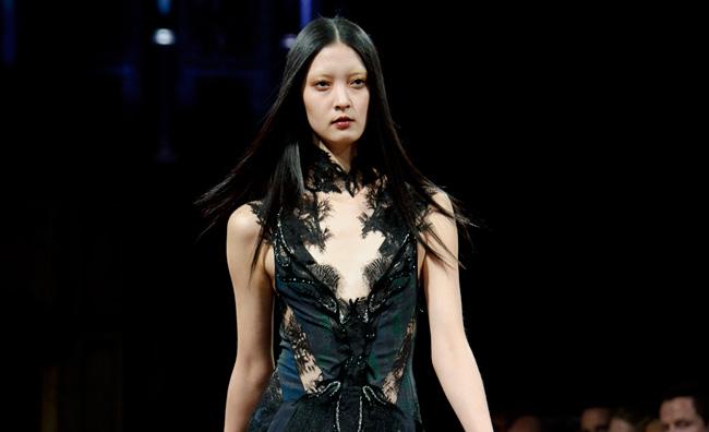 La gothic lady di Julien Macdonald