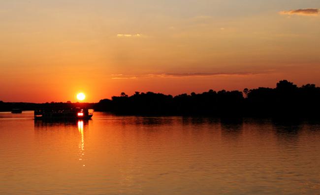 Sul fiume Zambesi per un suggestivo festival