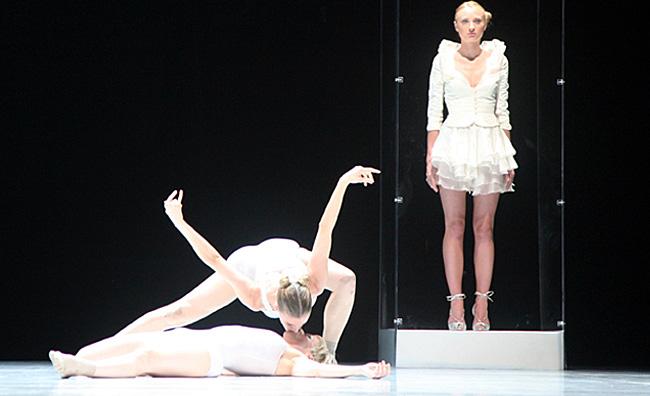 Corpicrudi incontrano il Balletto Teatro di Torino