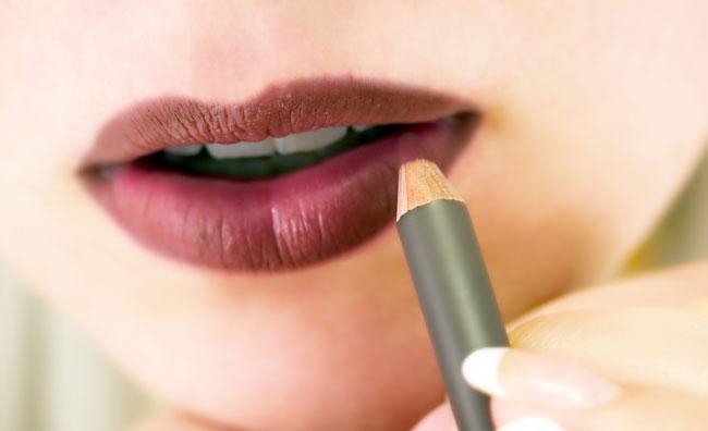 Disegnare labbra perfette con la matita
