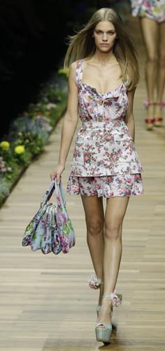 Tendenze Primavera Estate 2011: stampe floreali