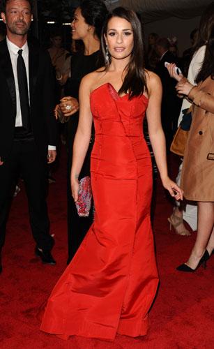 Lea Michele in seta rossa