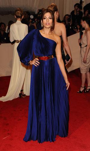 Eva Mendes in blu