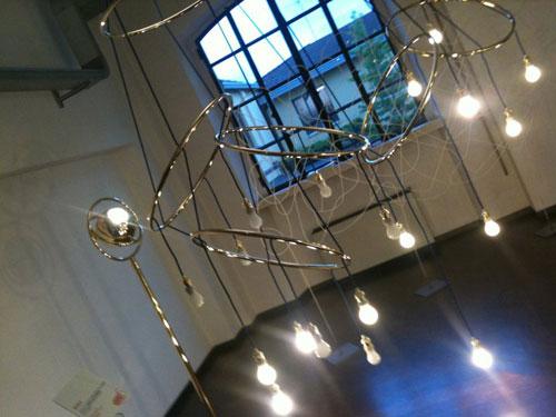 Dal legno alla lampada: il nuovo design