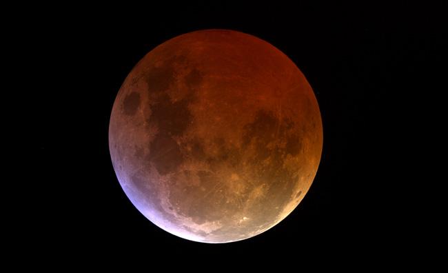 Vacanze all'insegna dell'eclissi di luna