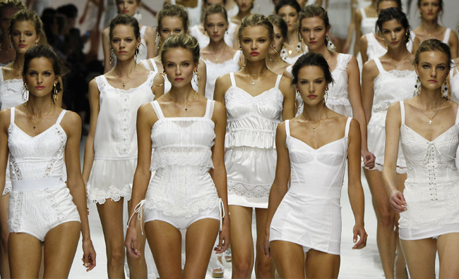 La moda si riduce ai minimi termini
