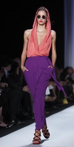 Pantaloni e top con cappuccio Diane Von Furstenberg