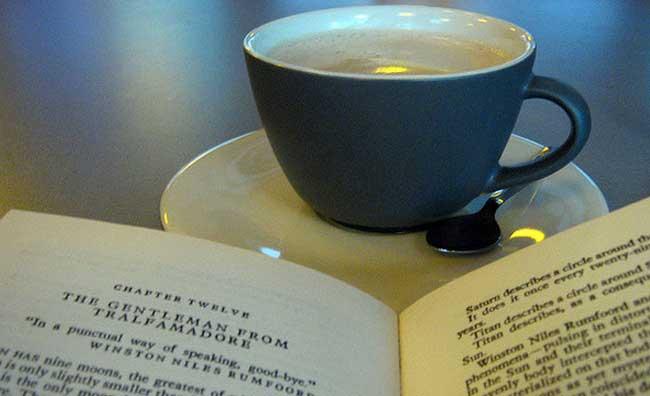 Book Bar e Book Crossing: i libri si leggono cosi