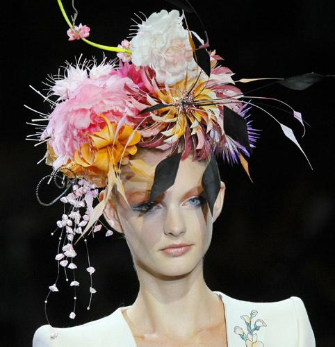 Cappello di fiori Armani Privé Autunno Inverno 2011 2012