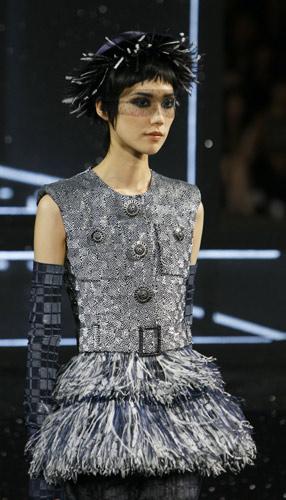 Giacca con piume Chanel Autunno Inverno 2011 2012