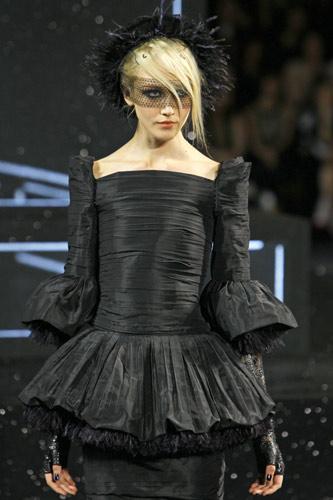 abito nero Chanel Autunno Inverno 2011 2012