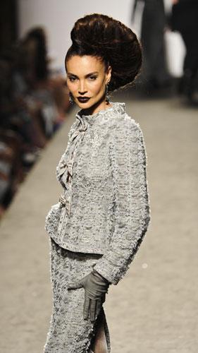 Completo grigio in lana  Raffaella Curiel Autunno Inverno 2011 201