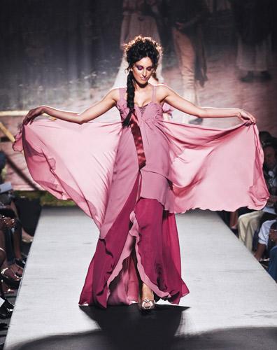 Volant Scuola di moda Ida Ferri, Autunno Inverno 2011 2012